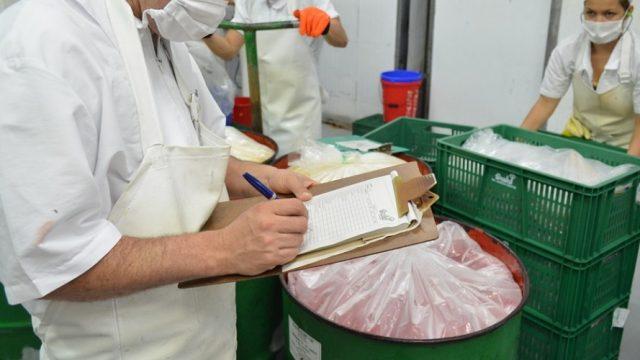 Nutricionista norteamericana desmonta los engaños de la industria alimentaria